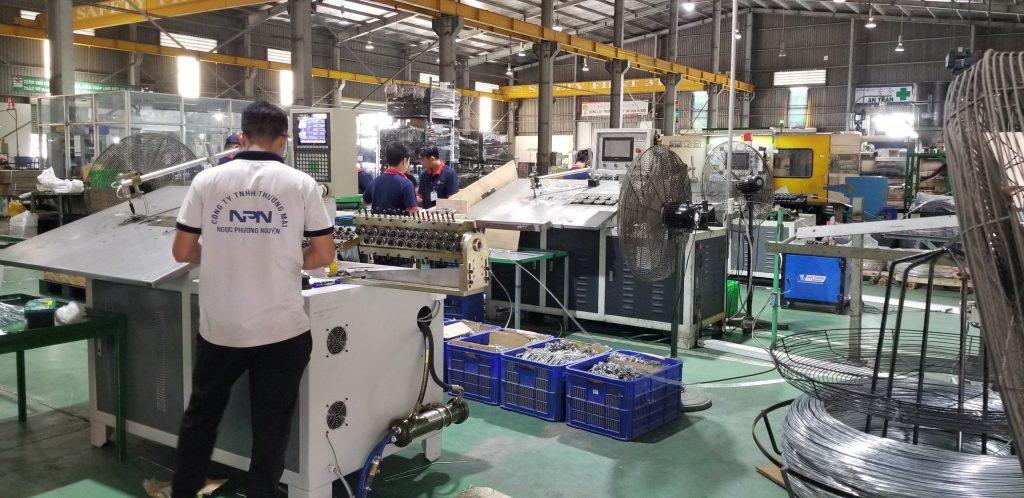 Máy uốn dây thép 2d tại nhà máy